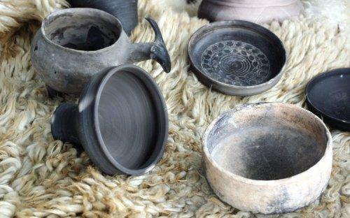 Ukázky keramiky.