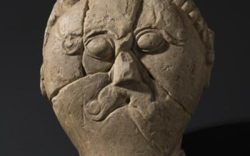 """Na výstavě nechybí ani opuková """"Keltská hlava"""" ze Mšeckých Žehrovic"""
