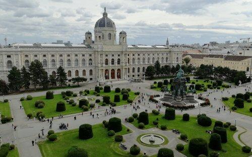 Výhled ze střechy na protější Kunsthistorisches Museum