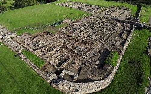 Zdroj: http://www.thehistoryblog.com/wp-content/uploads/2012/09/Vindolanda-Roman-fort.jpg